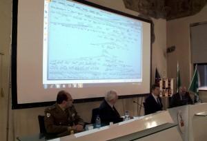 IL CAV. MARIO CASSI PRESIDENTE DELL'ARALDO CHE ILLUSTRA COSA RESTA A CREMA DELL'EROE FORTUNATO MARAZZ
